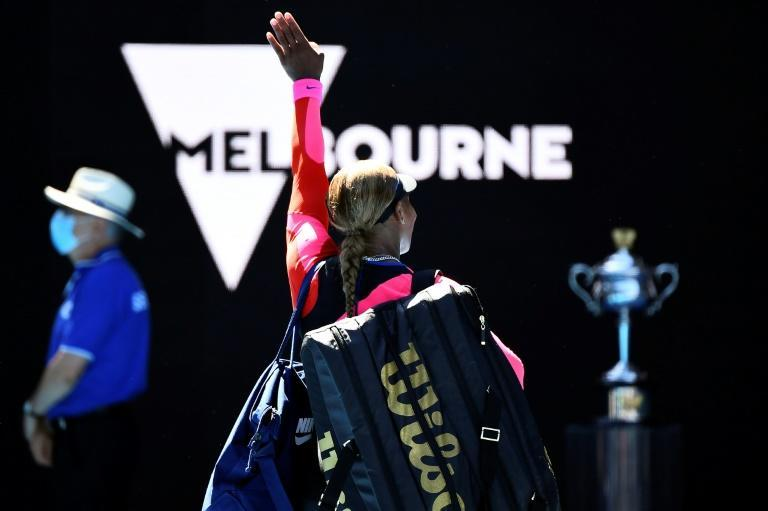 Serena Willliams waves to the Rod Laver Arena crowd after losing to Naomi Osaka in the semi-finals, but was it a final goodbye?