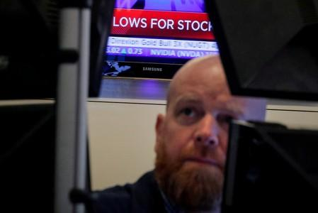 Global stocks fall to lowest in month on U.S. growth worries