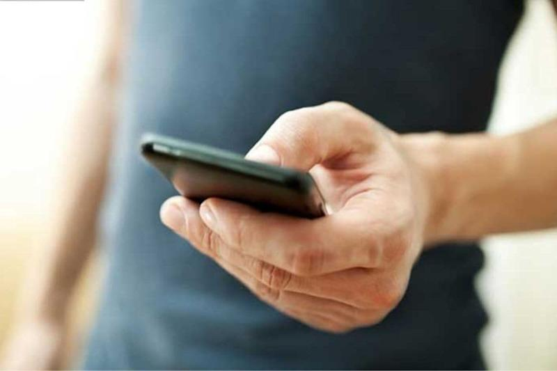 Covid-19 Causing Virus Can Stay on Mobile Screens, Glass and Money for 28 Days: Study