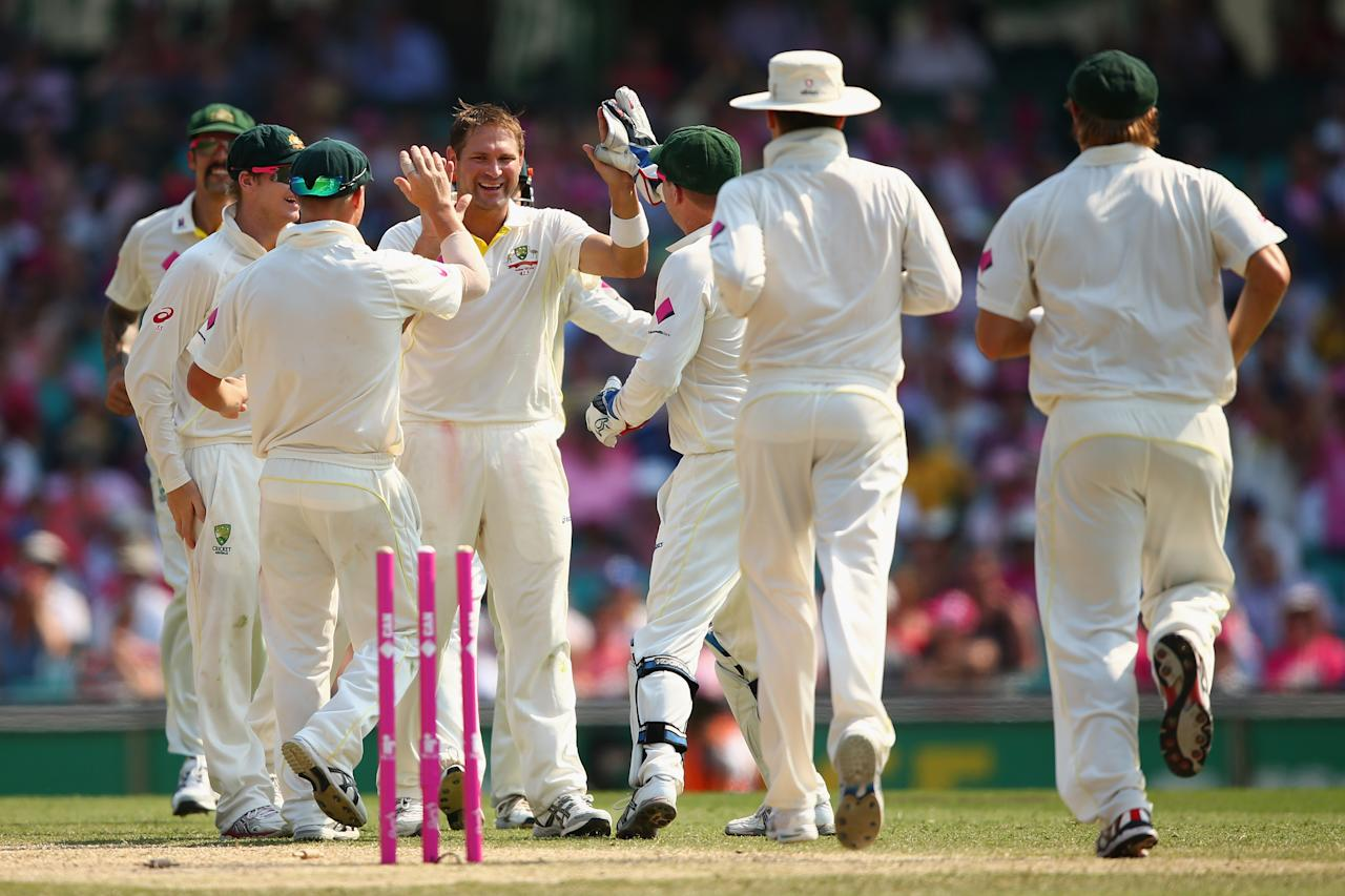 SYDNEY, AUSTRALIA - JANUARY 05:  Ryan Harris of Australia celebrates dismissing Ben Stokes of England during day three of the Fifth Ashes Test match between Australia and England at Sydney Cricket Ground on January 5, 2014 in Sydney, Australia.  (Photo by Cameron Spencer/Getty Images)