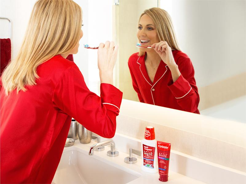 Colgate® Optic White® teams up with multi-platinum selling artist Sheryl Crow to launch NEW Colgate® Optic White® Renewal toothpaste.