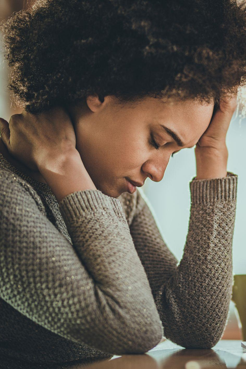 """<p>It's no secret that psychological difficulties can result in physical manifestations of the problem, and midlife crises are no different. Headaches and gastrointestinal issues that don't seem to have any physical cause, and more often than not don't respond to usual medical are <a href=""""https://newsnetwork.mayoclinic.org/discussion/myth-or-fact-could-you-be-going-through-a-midlife-crisis/"""" rel=""""nofollow noopener"""" target=""""_blank"""" data-ylk=""""slk:often linked to this kind of emotional crisis"""" class=""""link rapid-noclick-resp"""">often linked to this kind of emotional crisis</a>, according to <em>Mayo Clinic</em>. </p><p>In an article for the <em>Los Angeles Times, </em>Dr. Yolanda Reid Chassiakos chronicles a patient who began <a href=""""https://www.latimes.com/archives/la-xpm-2011-may-16-la-he-in-practice-midlife-20110516-story.html"""" rel=""""nofollow noopener"""" target=""""_blank"""" data-ylk=""""slk:experiencing physical symptoms"""" class=""""link rapid-noclick-resp"""">experiencing physical symptoms</a>, most notably intense migraines, due to the stressors she was feeling at mid-age. </p><p>Chassiakos concludes that she recommended a combination of prescription-strength medication to help alleviate the migraines, and professional counseling. </p>"""