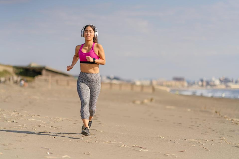 """<p>""""The slow, steady pace also means a slow, steady calorie burn,"""" Milton told POPSUGAR. You might see some weight loss right when you start your running program, but then you plateau. """"This is because the body gets more efficient at that same pattern,"""" Milton explained. In other words, your body gets used to that pace or that length of run, and you're not challenging it enough to see continued weight loss.</p> <p>To push past this plateau, start mixing up your runs. Once you've been running consistently for more than four runs, Milton said, begin adding an <a href=""""https://www.popsugar.com/fitness/40-minute-hiit-running-workout-46357905"""" class=""""link rapid-noclick-resp"""" rel=""""nofollow noopener"""" target=""""_blank"""" data-ylk=""""slk:interval run"""">interval run</a> or a <a href=""""https://www.popsugar.com/fitness/Outdoor-Interval-Hill-Running-Workout-46209577"""" class=""""link rapid-noclick-resp"""" rel=""""nofollow noopener"""" target=""""_blank"""" data-ylk=""""slk:hilly route"""">hilly route</a> once a week. However, make sure to know your limitations when you're starting a new style of run in order to avoid injury.</p>"""