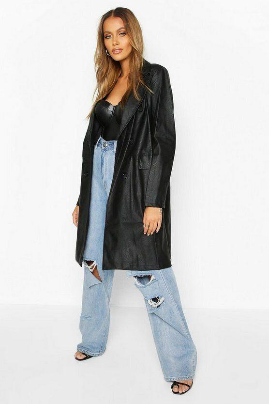 "<strong><a href=""https://fave.co/2UJ4U6A"" target=""_blank"" rel=""noopener noreferrer"">Find it for $40 at Boohoo</a>.</strong>"