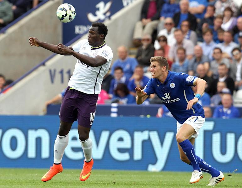 Everton's Romelu Lukaku during the Premier League match against Leicester City in Leicester on August 16, 2014 (AFP Photo/Lindsey Parnaby)