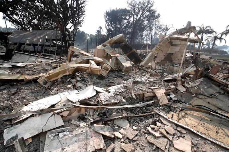 The house of Robin Thicke after being destroyed by the Malibu wildfire (EPA/Mike Nelson)