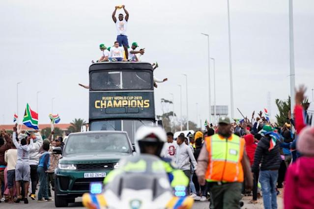 Kolisi with the World Cup in his hometown of Zwide on the Springboks' nationwide victory parade (AFP Photo/Wikus DE WET)
