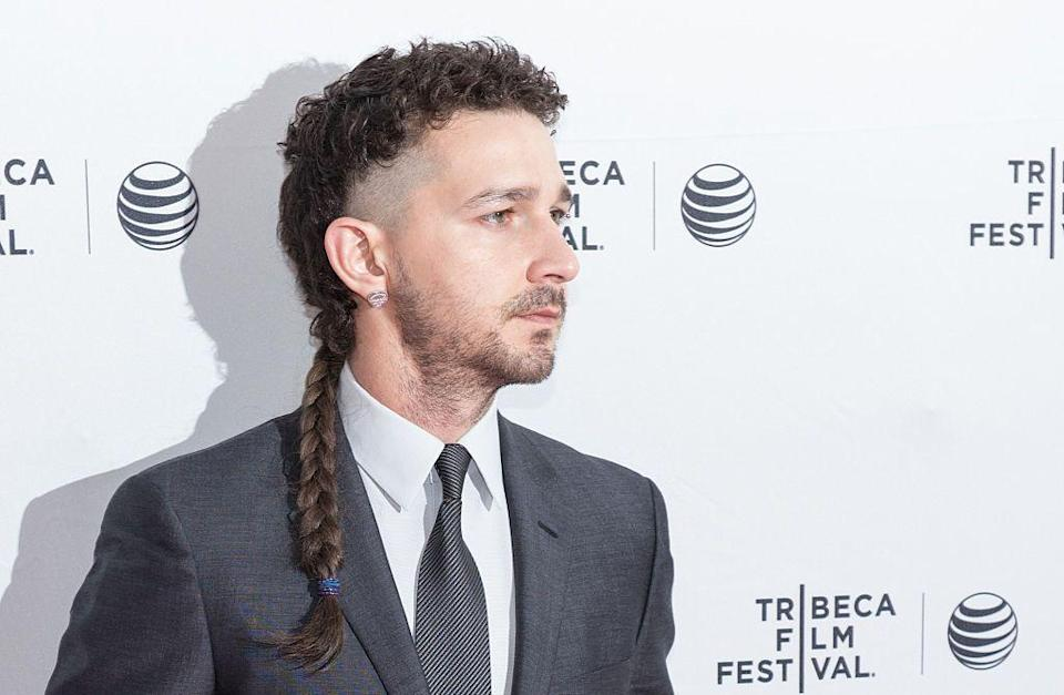 <p>We're not sure what statement the actor was trying to make here, but it's a style that his barber should never have agreed to.</p>