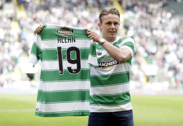 "Football - Celtic v Inverness Caledonian Thistle - Ladbrokes Scottish Premiership - Celtic Park - 15/8/15 Celtic's new signing Scott Allan is presented to supporters before the match Action Images via Reuters / Graham Stuart Livepic EDITORIAL USE ONLY. No use with unauthorized audio, video, data, fixture lists, club/league logos or ""live"" services. Online in-match use limited to 45 images, no video emulation. No use in betting, games or single club/league/player publications. Please contact your account representative for further details."