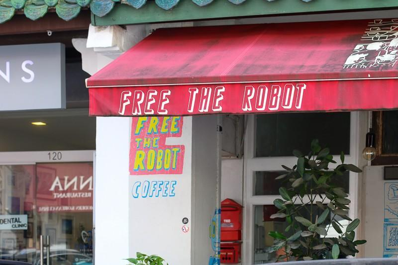 Restaurant front of Free the robot