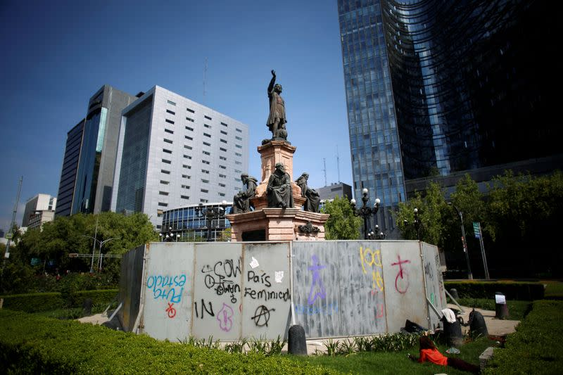 Knocked off their perch: protesters target empire builders, Confederate symbols