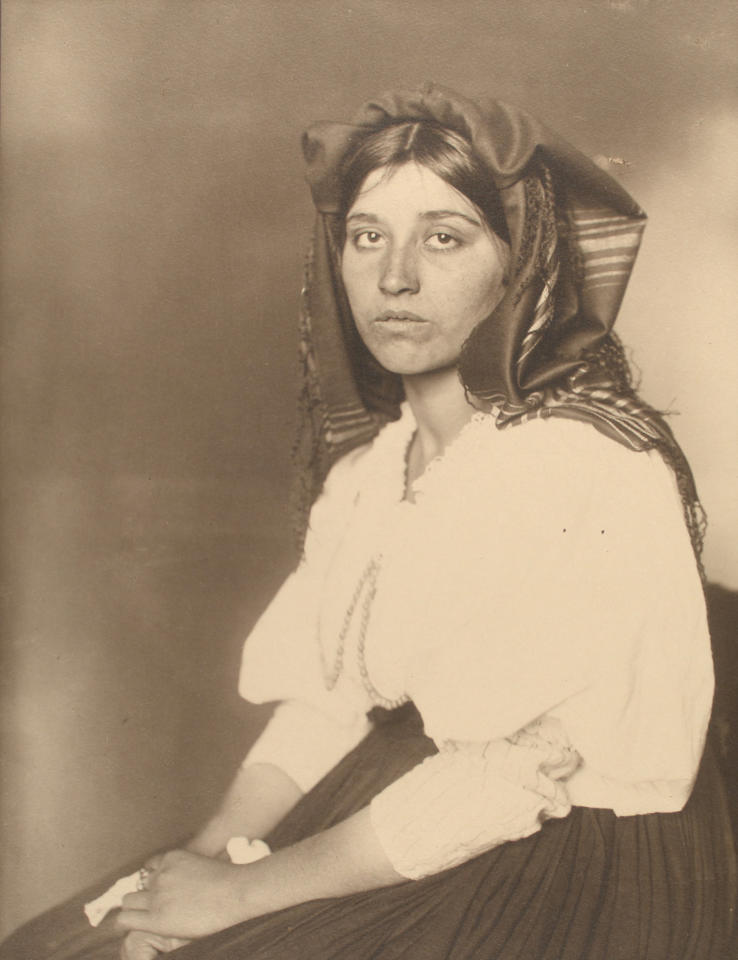 <p>Italian woman, 1906. (Photograph by Augustus Sherman/New York Public Library) </p>