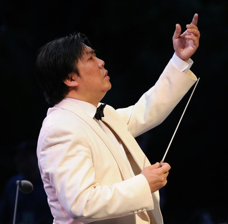 Shanghai Symphony Conductor Long Yu will lead the New York Philharmonic in a novel performance featuring ping pong players, to celebrate the Chinese New Year