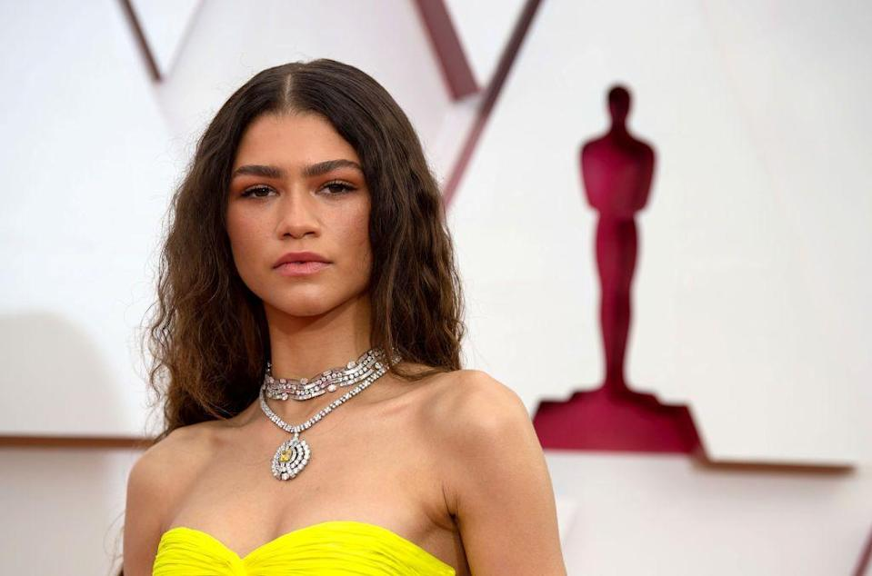 <p>Bulgari's brand ambassador was a sunny delight in a transformable diamond necklace, which has a removable central brooch featuring a cushion-cut fancy vivid yellow diamond weighing six carats, from its forthcoming Magnifica high-jewellery collection. </p>