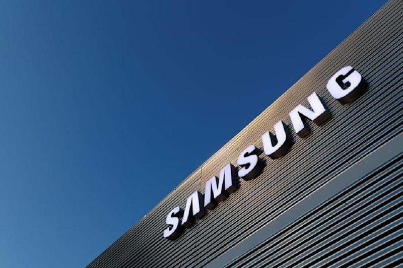 Samsung Partners Are Going Online With WhatsApp & Facebook: Here's What it Means