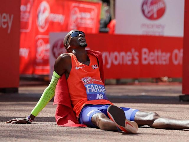 London Marathon 2018: Mo Farah breaks 33-year-old British record as Eliud Kipchoge wins