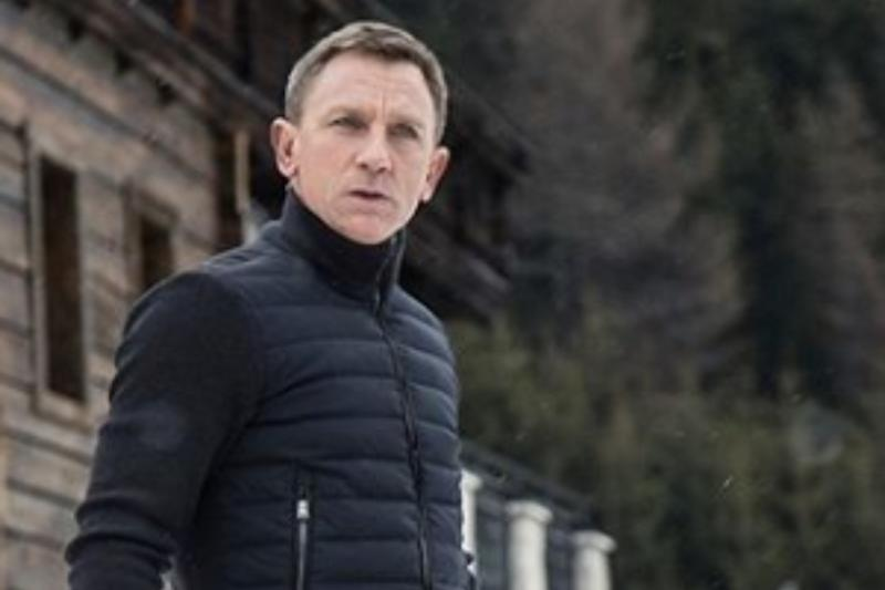Daniel Craig Expresses Excitement For Knives Out Sequel: I'd Do Anything For Rian Johnson
