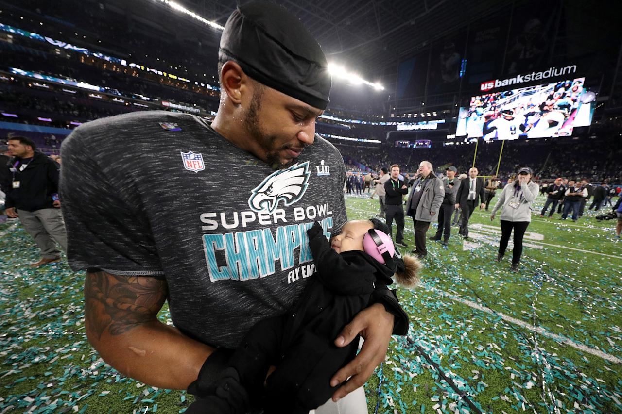 <p>Najee Goode #52 of the Philadelphia Eagles celebrates with his family after defeating the New England Patriots 41-33 in Super Bowl LII at U.S. Bank Stadium on February 4, 2018 in Minneapolis, Minnesota. (Photo by Patrick Smith/Getty Images) </p>