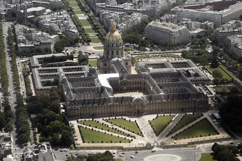 The spate of drone sightings over famous Paris landmarks such as the Invalides, comes at a time of heightened security following last month's jihadist attacks that left 17 people dead (AFP Photo/Guillaume Baptiste)