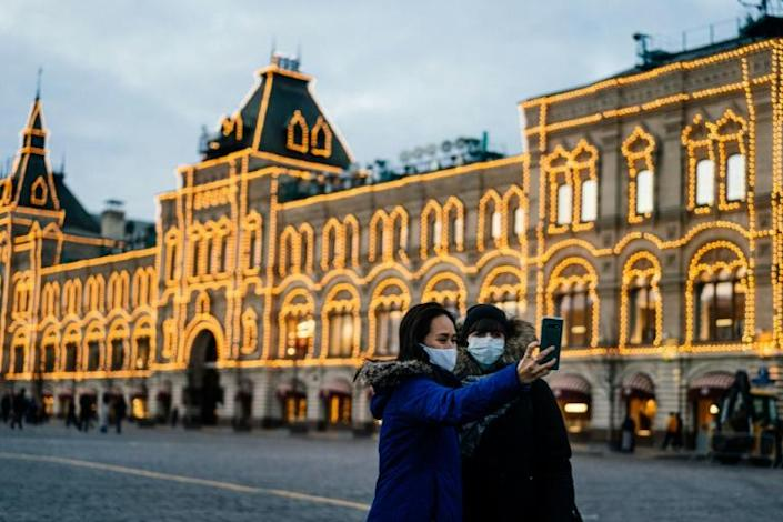 Face masks and anti-bacterial hand gel are almost unobtainable in Moscow (AFP Photo/Dimitar DILKOFF)