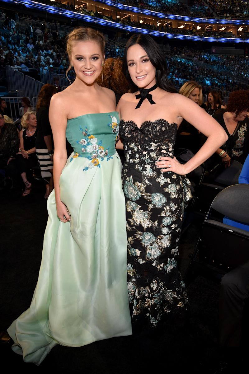 """Kelsea Ballerini (pictured with Musgraves in 2017) called the ban on back-to-back female performers """"incredibly disappointing."""" (Photo: Kevin Mazur/ACMA2017/Getty Images for ACM)"""