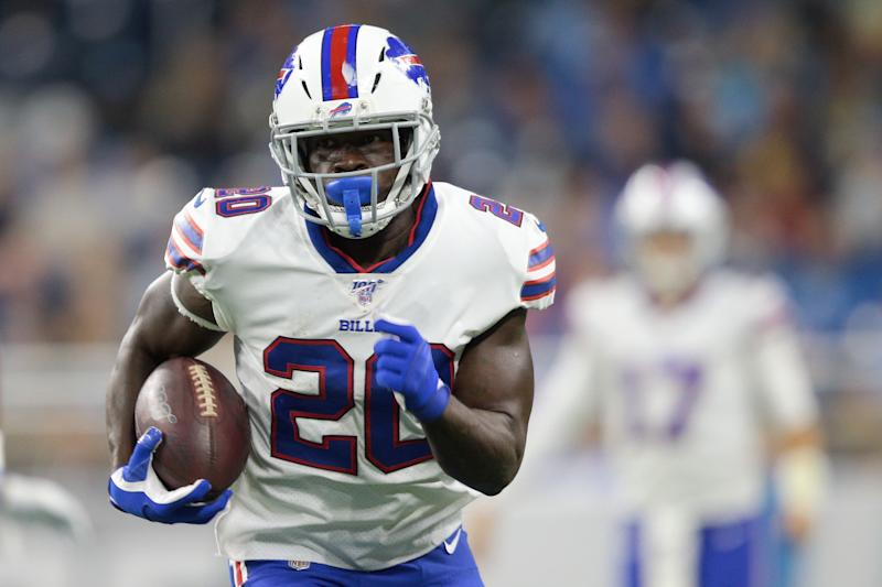 Buffalo Bills running back Frank Gore (20) runs the ball during the first half of an NFL football game against the Detroit Lions in Detroit, Michigan USA, on Friday, August 23, 2019 (Photo by Jorge Lemus/NurPhoto via Getty Images)