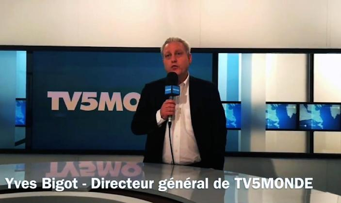 TV5Monde general director Yves Bigot makes an announcement after the French television network was hacked by self-proclaimed Islamic State militants, in a video posted on the channel's Facebook page on April 9, 2015 (AFP Photo/)