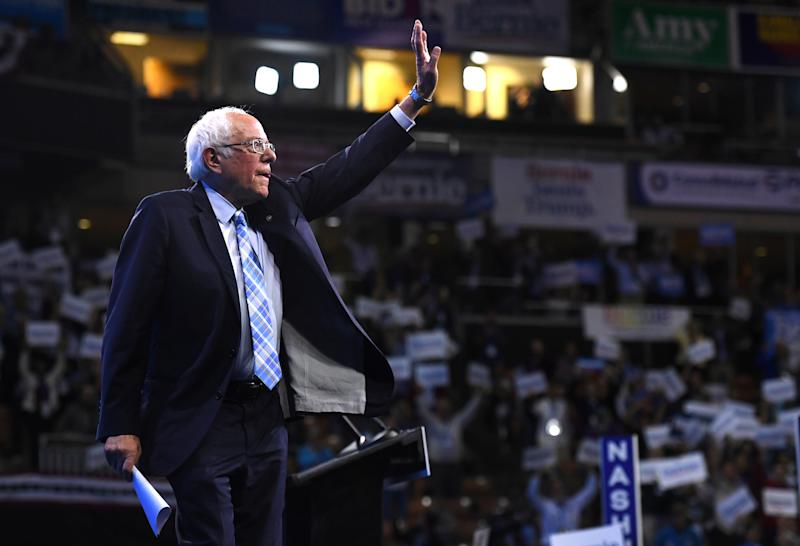 Sen. Bernie Sanders waves to attendees at the New Hampshire Democratic Party state convention in Manchester earlier this month. (Photo: Gretchen Ertl/Reuters)