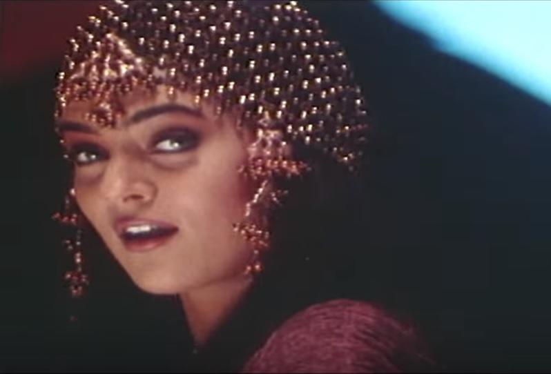 <em>Zor </em>did an average business at the ticket counter and the role assigned to Sushmita wasn't very meaty either. But she tired, as much she could, in the limited scope she was afforded. The item song, <em>Main Kudi Anjani,</em> was perhaps one of those opportunities, and she was breath-taking in the Hema Sardesai sung number.