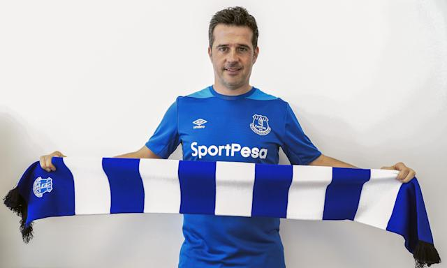 Marco Silva is tasked with rebuilding Everton's identity and the connection with its fans.