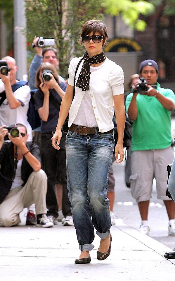 "LOVE Katie Holmes' new 'do, HATE her pegged pants. James Devaney/<a href=""http://www.wireimage.com"" target=""new"">WireImage.com</a> - August 5, 2008"