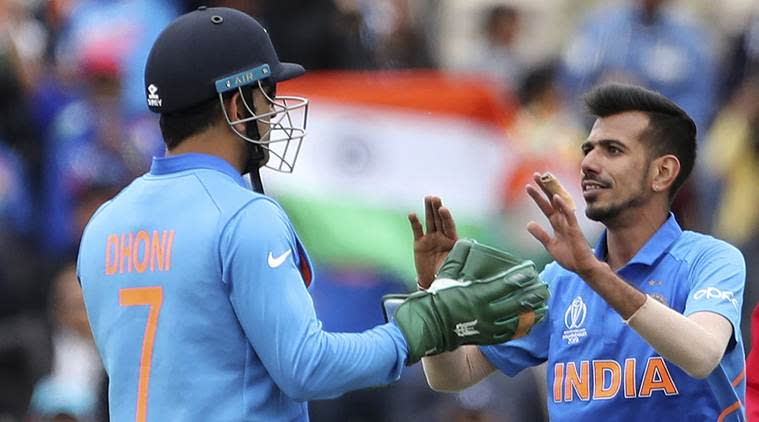 ms dhoni, ms dhoni gloves, dhoni army badge, dhoni army gloves, dhoni army insignia, ICC, ICC on dhoni gloves, dhoni south africa, ind vs south africa, world cup 2019, BCCI, world cup news