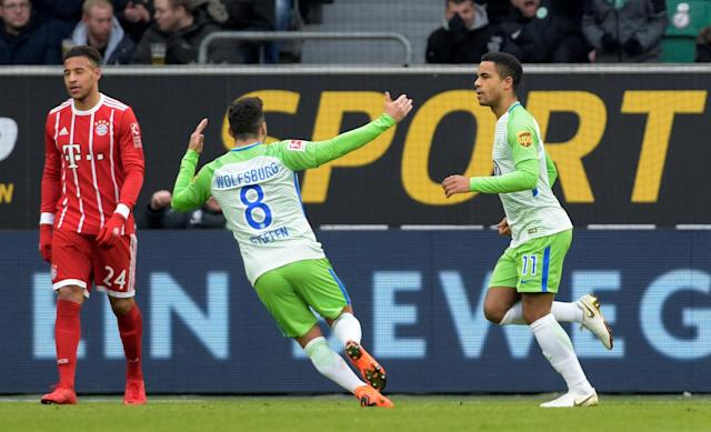 Soccer Football - Bundesliga - VfL Wolfsburg vs Bayern Munich - Volkswagen Arena, Wolfsburg, Germany - February 17, 2018 Wolfsburg's Daniel Didavi celebrates scoring their first goal with Renato Steffen REUTERS/Fabian Bimmer DFL RULES TO LIMIT THE ONLINE USAGE DURING MATCH TIME TO 15 PICTURES PER GAME. IMAGE SEQUENCES TO SIMULATE VIDEO IS NOT ALLOWED AT ANY TIME. FOR FURTHER QUERIES PLEASE CONTACT DFL DIRECTLY AT + 49 69 650050