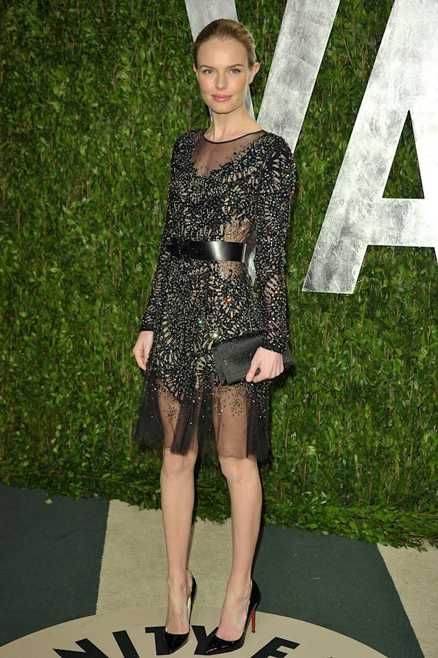 Kate Bosworth usually looks like a hot mess on the red carpet, but we actually approve of this Prabal Gurung dress. Do you?