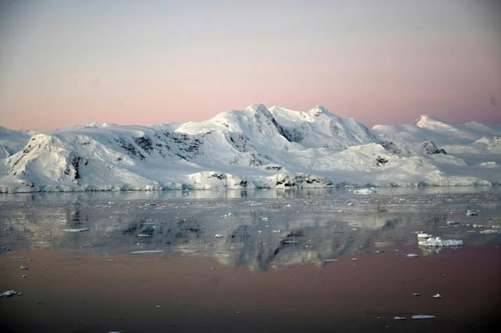 The Antarctic peninsula is one of the regions on Earth that is warming the fastest (AFP Photo/Johan ORDONEZ)