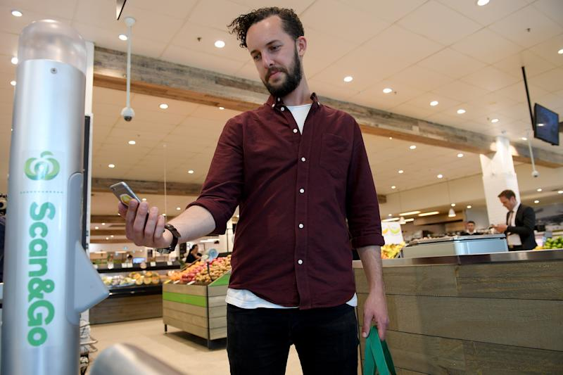 A shopper using the Scan&Go scheme at Woolworths. Source: Woolworths