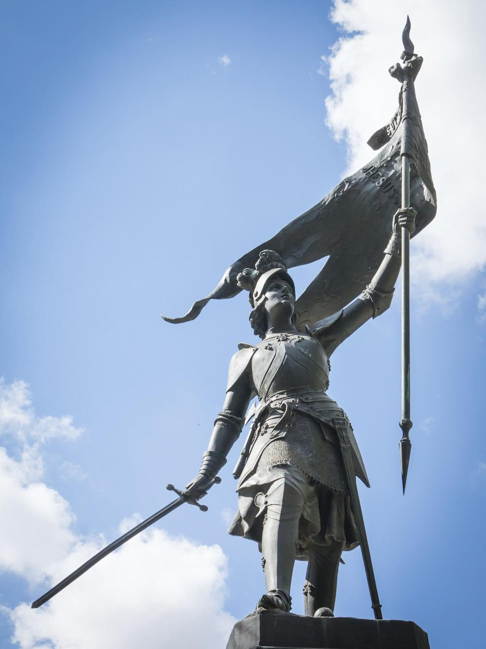 "<a href=""http://www.history.com/topics/saint-joan-of-arc"">Joan of Arc</a> grew up a peasant in medieval France and reportedly started hearing the voices of saints from a young age. At the age of 18, Joan believed that God had chosen her to lead France to victory in its ongoing war with England. The precocious Joan convinced crowned prince Charles of Valois to allow her to lead a the country's army to Orléans, where it <a href=""http://www.britannica.com/biography/Saint-Joan-of-Arc"">defeated</a> the English and their French allies, the Burgundians. She was subsequently captured by Anglo-Burgundian forces, tried for heresy and burned at the stake in 1431. She was just 19 years old when she died. The Catholic Church canonized her in 1920."