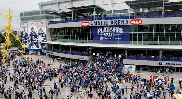 Fans gather outside AMALIE Arena in Tampa, Florida. (Dirk Shadd/Tampa Bay Times via AP)