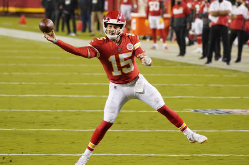 Mahomes, Chiefs on top of season's first AP Pro32 poll