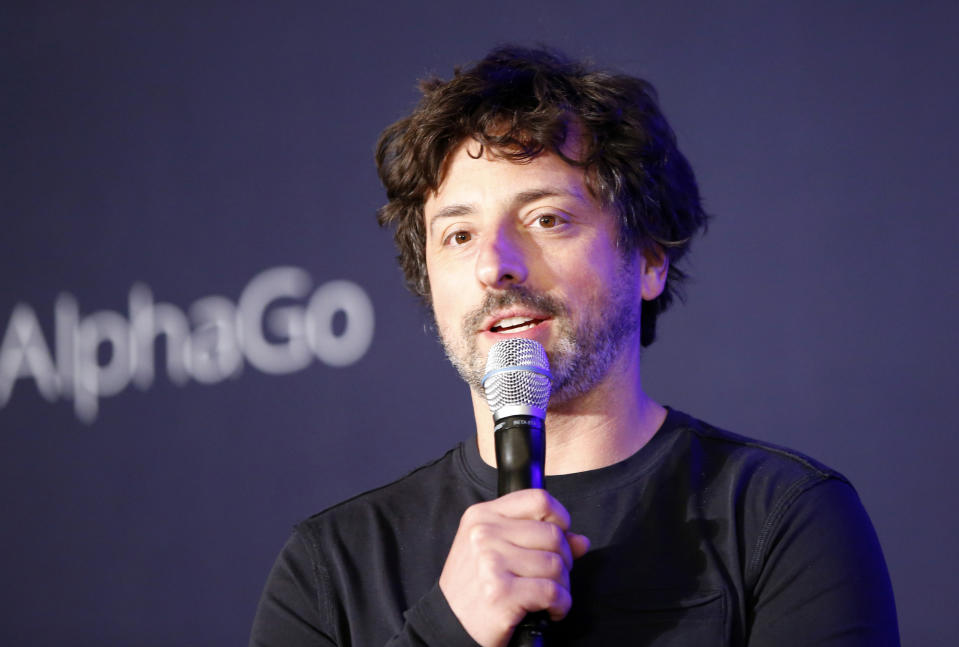 <p>Segue uno dei due cofondatori di Google Sergey Brin con 89 miliardi di dollari (49,1 lo scorso anno). (AP Photo/Lee Jin-man)</p>