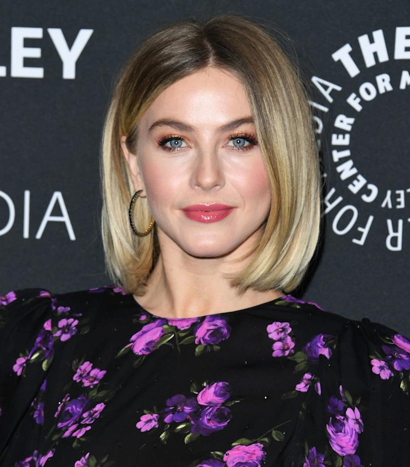 Julianne Hough S New Haircut Is Proof The Blunt Bob Will