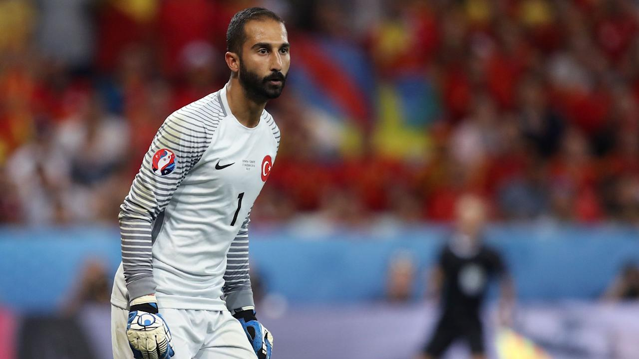 Turkish national team goalkeeper Volkan Babacan was among those filmed in a melee with journalists which has been reported to the police