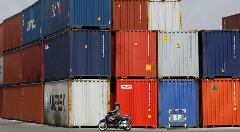 Vietnam August trade surplus widens, industrial production contracts