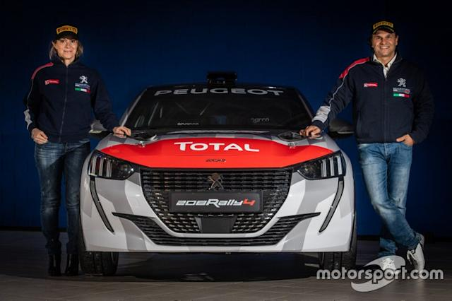 """Anna Andreussi, Paolo Antenucci, Peugeot 208 Rally4 <span class=""""copyright"""">Marco Passaniti</span>"""