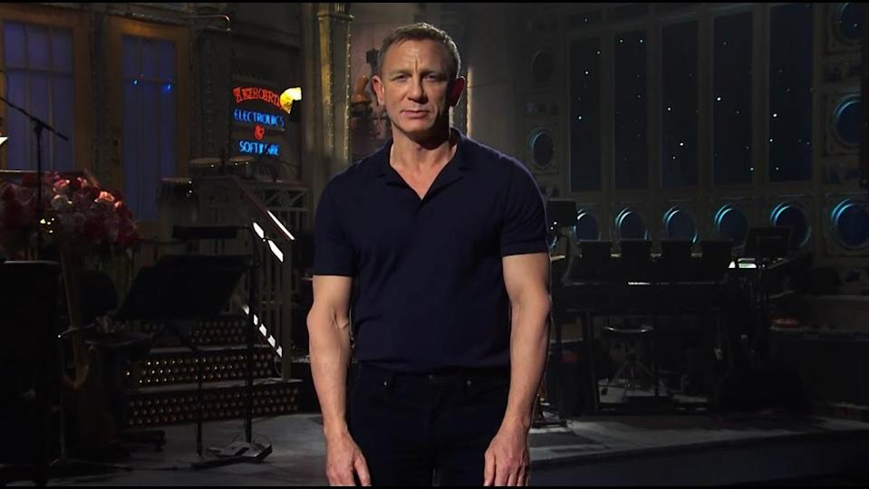 Daniel Craig about to introduce the musical act The Weeknd on Saturday Night Live.