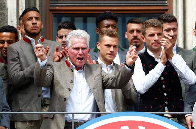 Soccer Football - Bayern Munich Trophy Presentation - Town Hall, Munich, Germany - May 20, 2018 (Front L - R) Bayern Munich's Corentin Tolisso, Coach Jupp Heynckes, Joshua Kimmich and Thomas Mueller during the presentation REUTERS/Michaela Rehle