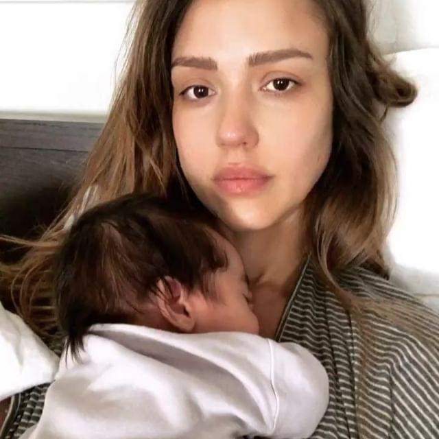 """<p>If we could all look this good in the morning...Jessica cuddled with her son, Hayes, and captured this fresh-faced moment.</p><p><a href=""""https://www.instagram.com/p/BfjA5OoBHra/?igshid=1j8ysn9cvpvcj"""" rel=""""nofollow noopener"""" target=""""_blank"""" data-ylk=""""slk:See the original post on Instagram"""" class=""""link rapid-noclick-resp"""">See the original post on Instagram</a></p>"""