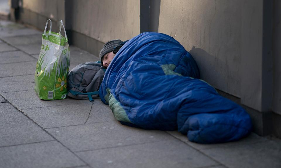 The average age of a rough sleeper at death was 44 years for men and 42 years for women. Men made up 84% of homeless deaths, ONS figures show.