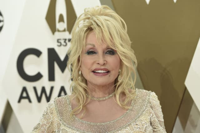 53rd Annual CMA Awards - Arrivals