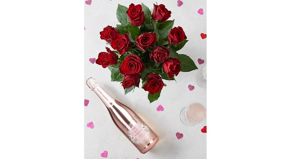 Valentine's Red Roses & Prosecco Rosé Gift (Marks and Spencer)